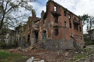 Aftermath of Ukraine gov't attack on Kramatorsk, photo Ukraine gov't