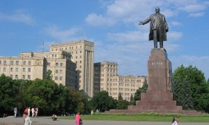 Statue of Lenin in Kharkiv, Ukraine, destroyed by rightists on Sept 28, 2014