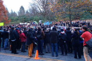 Solidarity rally on Burnaby Mountain, Nov 17, 2014, photo by Roger Annis