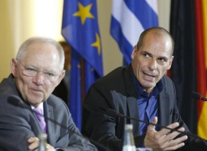 German Finance Minister Wolfgang Schaeuble (L)  and Greek Finance Minister Yanis Varoufakis at press conference in Berlin on Feb 5, 2015, photo by Fabrizio Bensch, Reuters