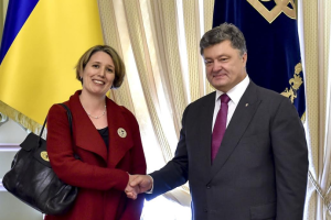 Poroshenko welcomes UK ambassador to Ukraine the day after backtracking on banning three BBC journalists from Ukraine (photo by Office of President Poroshenko)