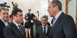 Photo update: Selahattin Demirtas meets with Sergei Lavrov on Dec 23, 2015 in Moscow (AP)