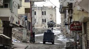 Town of Silvan in Kurdish region of southerneastern Turkey following government attacks on Nov 10, 2015 (Ilyas Akengin, AFP)