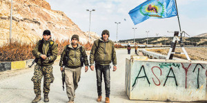 Syrian Kurdish YPG soldiers at checkpoint in northern Syria (Hasim Soylemez, Cihan)