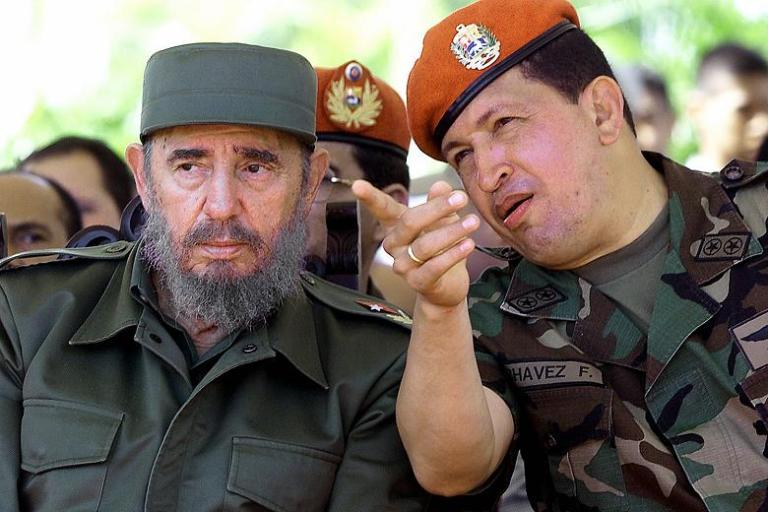 AnaKarinaRote2019 - Gobierno (interino) de Juan Guaidó Fidel-Castro-and-the-late-Venzuelan-leader-Hugo-Chavez-pictured-in-Caracas-in-2001-Reuters