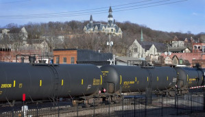 U.S. Department of Transportation delays new rules on 'bomb trains'
